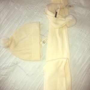 Talbots winter Pom knit cap with scarf with Poms